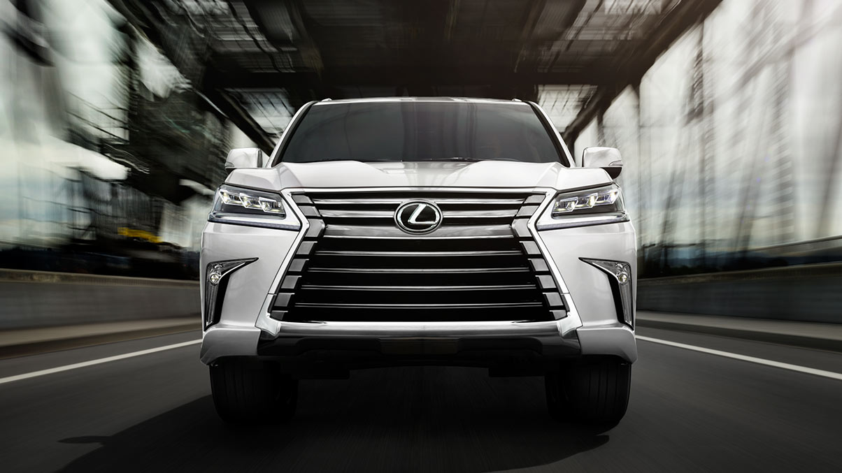 Exterior shot of the 2017 Lexus LX in Starfire Pearl.