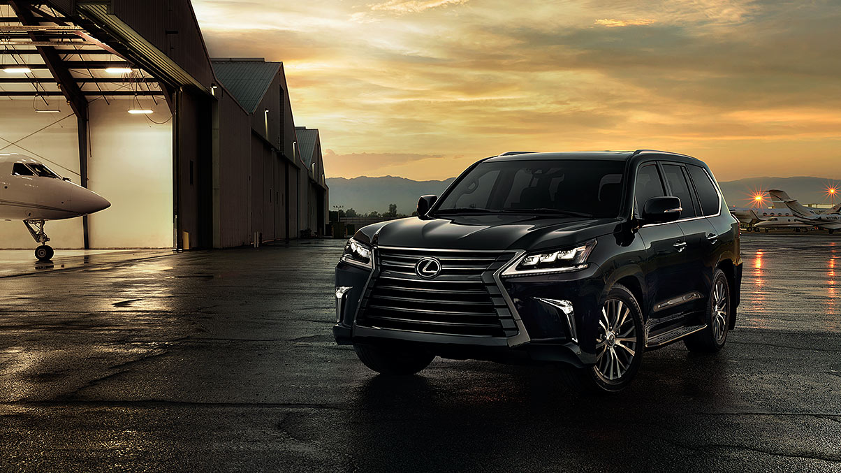 Exterior shot of the 2017 Lexus LX in Black Onyx.