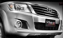 2012 Toyota Hi Lux Vigo comes with new bold grill and bumper