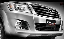2012 Toyota Hi Lux Vigo comes with new bold grill and bumper